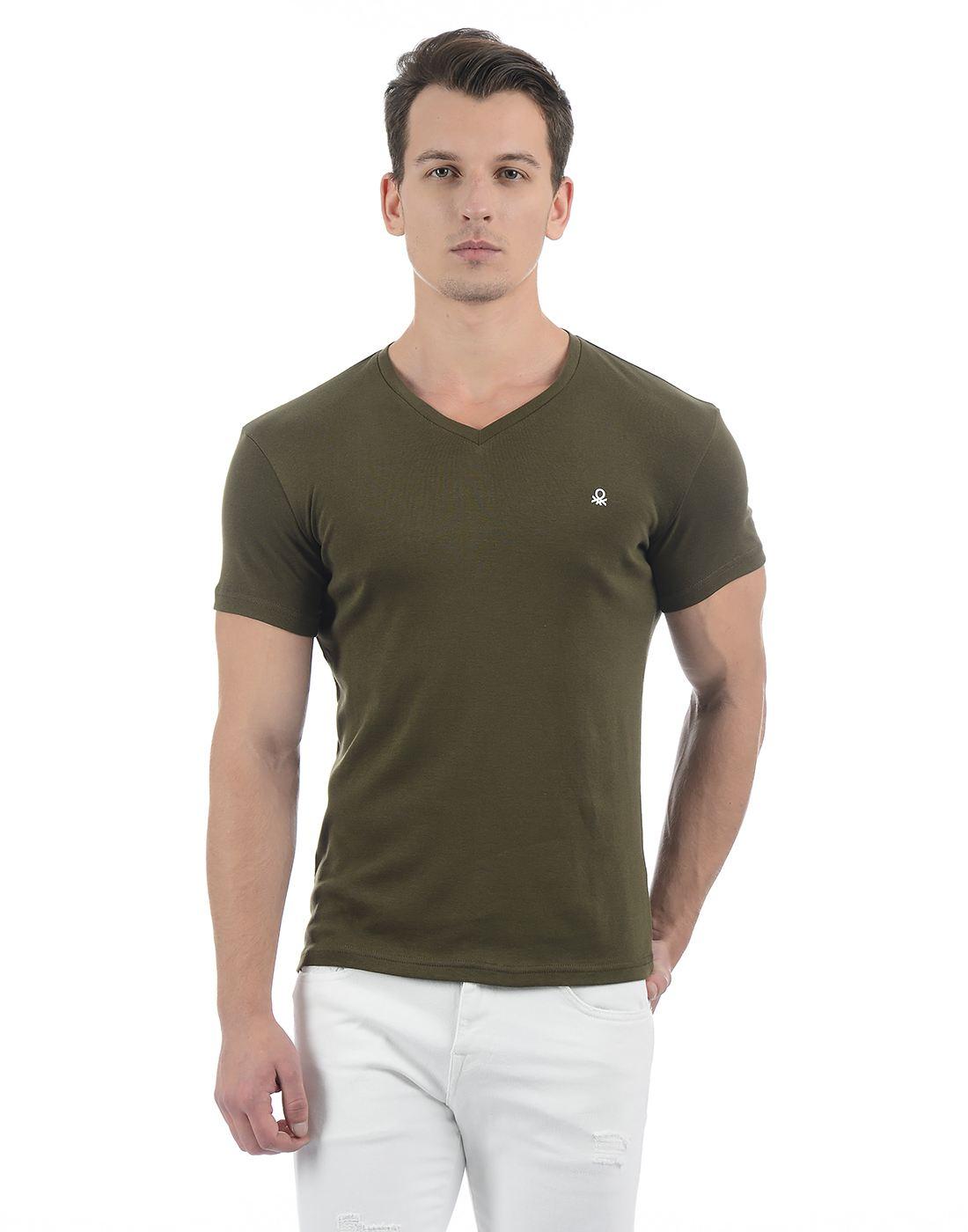 United Colors of Benetton Men's Green V-neck T-shirt