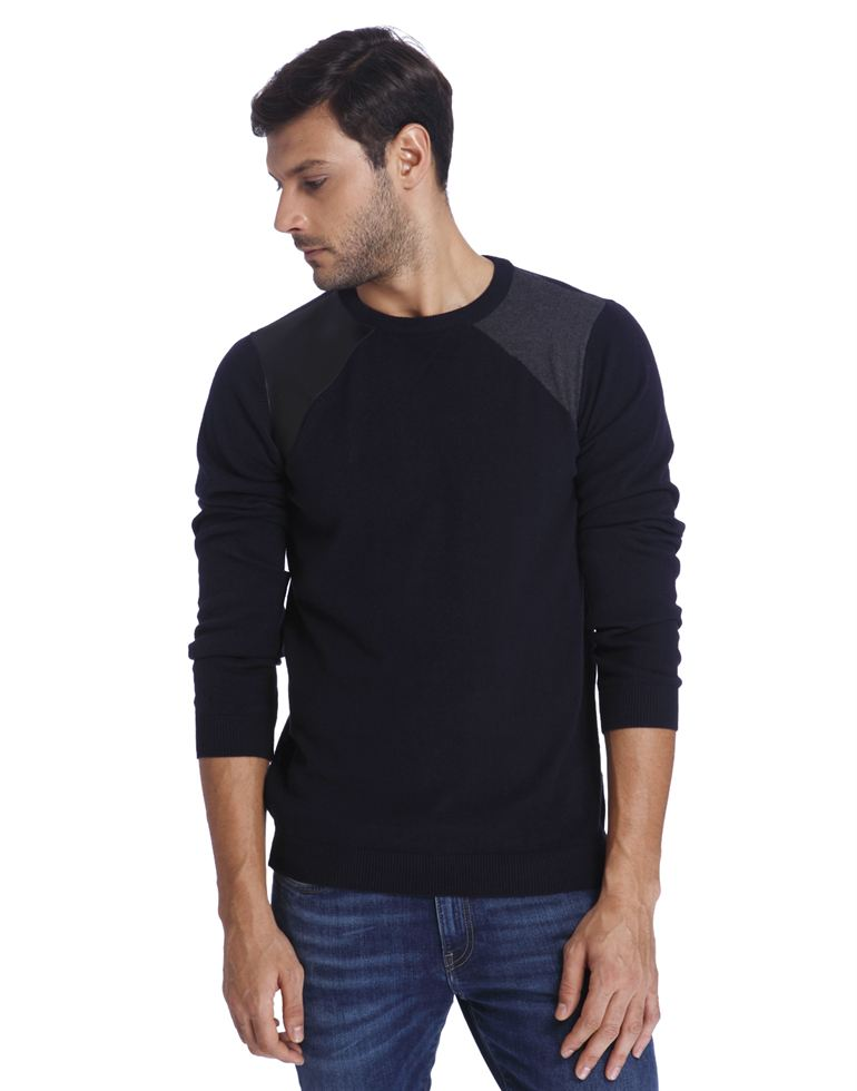 Jack & Jones Men Casual Wear Solid Sweatshirt